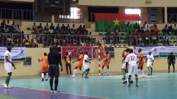 O Futebol Maracana se tornou muito popular na região ocidental da África.