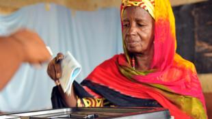 Wata mata dake jeffe kuri'a a kasar Guinee Conakry