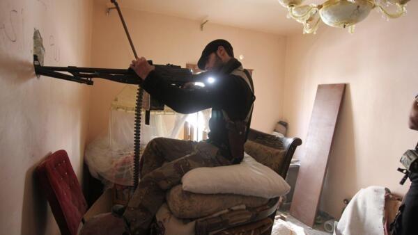 A suspensão do embargo de armas à Síria é o principal tema do encontro dos ministros das Relações EXteriores da União Européia.
