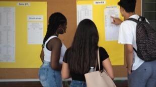 Nova reforma do ensino em França retira português das provas de acesso ao ensino superior