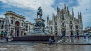 La Piazza del Duomo à Milan, capitale économique de l'Italie.