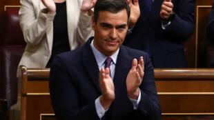 Pedro Sanchez sollicite une nouvelle investiture en tant que chef de gouvernement face aux députés et défend le programme de la coalition qu'il a formée notamment avec Podemos, Madrid, le 4 janvier 2020.
