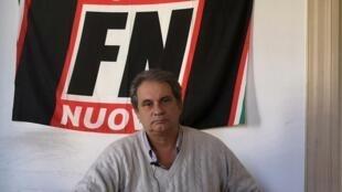 Roberto Fiori, na sede do partido Forza Nuova