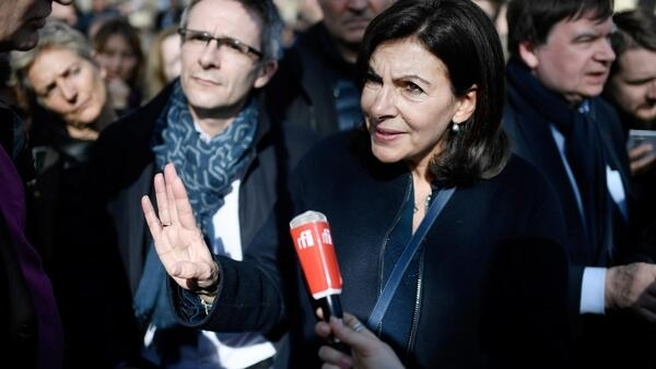 Paris mayor Anne Hidalgo announcing that city transport will not be free for all.