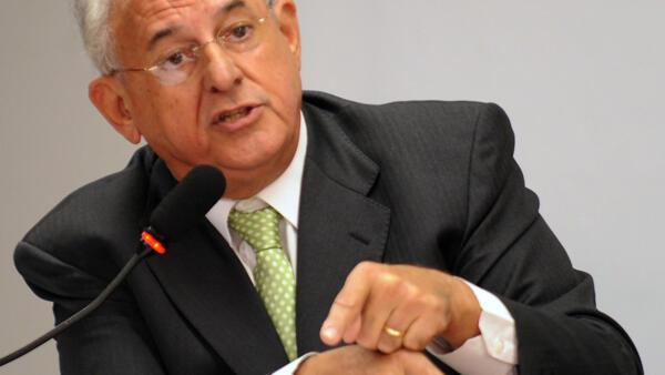 Nelson Jobim, em foto de 2011, quando era ministro da Defesa de Lula.