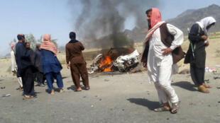 A Ahmad Wal dans le Balochistan, à 160 kilometres à l'ouest de Quetta (Pakistan), les restes du véhicule qui aurait transporté le mollah Mansour au moment de la frappe des drones américains, le 21 mai 2016.