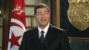 El primer ministro de Túnez, Habib Esid, durante una conferencia de prensa donde anuncia su nuevo gabinete.
