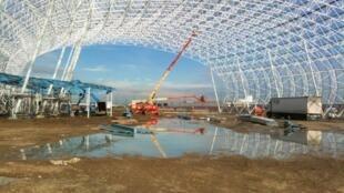 Металлическая сборная структура будущего музея Aéroscopia, Бланьяк, январь 2013.