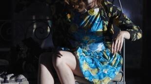 Алиса в спектакле Маши Макеефф «Льюис против Алисы». Авиньон , 15 июля 2019