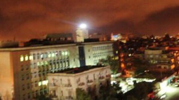 Bombardeio no subúrbio de Damasco, em 14 de abril de 2018.