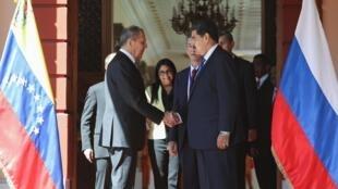 Le ministre russe des Affaires étrangères, Sergueï Lavrov, et le président vénézuélien Nicolas Maduro, à Caracas le 7 février 2020.