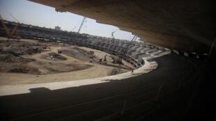 As obras de renovação do estádio Maracanã, no Rio de Janeiro.