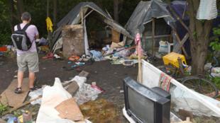 Une photo du camp rom attaqué par les ultranationalistes néonazis ukrainiens.