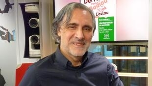 Elías José Palti en los estudios de RFI