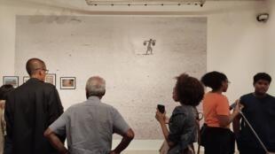 Vue de l'exposition « Le bruissement de l'eau », de Pierrot Men, à l'Institut français d'Antananarivo.