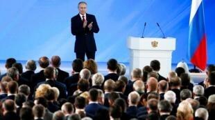 Vladimir Putin em Moscovo a 15 de Janeiro de 2020 após ter discursado perante o Parlamento.
