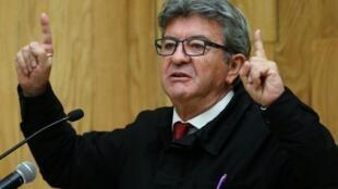 Жан-Люка Меланшона приговорили к трем месяцам тюрьмы условно за неповиновение власти при обыске в штаб-квартире партии «Непокорная Франция»