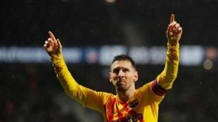 Lionel Messi mchezaji nyota wa Argentina, mshambuliaji wa FC Barcelona, ameshinda kwa mara ya sita 6 tuzo ya mchezaji bora duniani (Ballon d'Or) Jumatatu, Desemba 2, 2019.