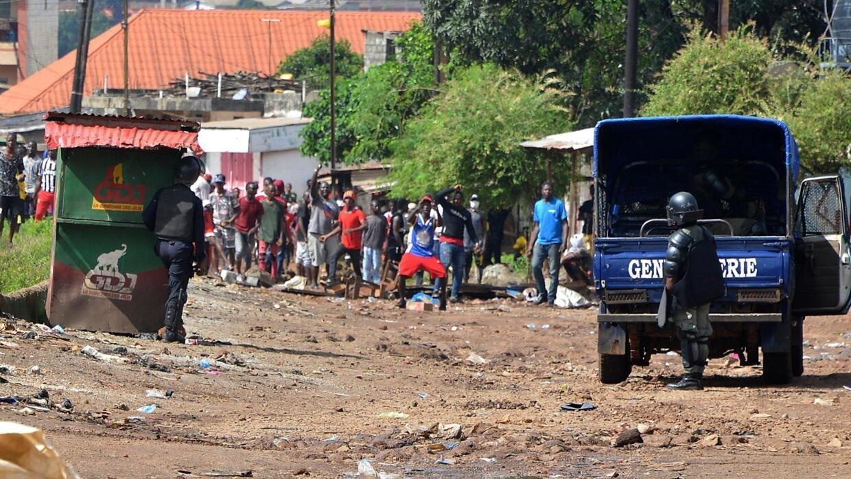 Deux leaders du FNDC arrêtés en Guinée: des «pratiques illégales» selon leur avocat