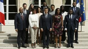 President Macron posing with members of his Presidential Council for Africa, 30 August, 2017