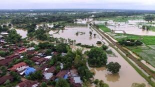 Пострадавший от наводнения город в провинции Накхонпханом, на северо-востоке Таиланда, 28 июля 2017.