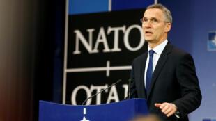 Jens Stoltenberg, secretário-geral da NATO, numa conferência de imprensa em Bruxelas.