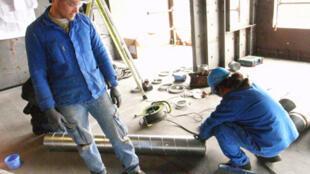 Atividades na construção civil foram tiradas da lista de profissões autorizadas para imigrantes.