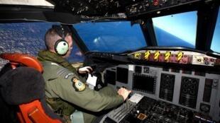 Avião da Força Aérea da Nova Zelândia continua as buscas da aeronave da Malaysia Airlines, desaparecida no dia 8 de março.