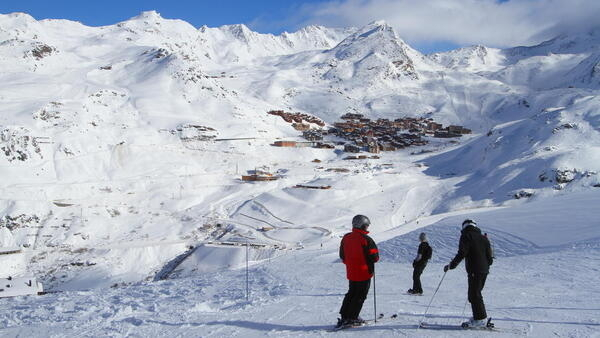 Empresários investem para atrair mais brasilerios para as estações de esqui francesas.