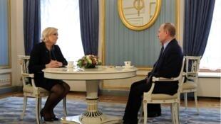 Президент России Владимир Путин и глава французского Нацфронта Марин Ле Пен на встрече в Кремле, 24 марта 2017 г.