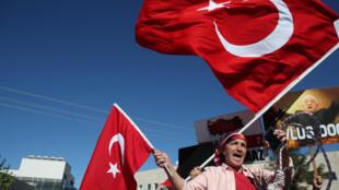 Detidos em Julho de 2017 durante um atelier de formação na ilha de Büküyada, teve hoje início em Istambul o julgamento de 11 militantes dos direitos humanos.