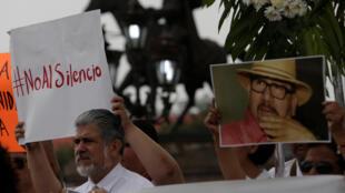 Os mexicanos reclamavam justiça pelo assassinato do jornalista Javier Valdez, especializado em crime organizado, cuja morte provocou uma onda de indignação.