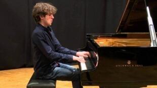 Le pianiste Alexandre Kantorow.
