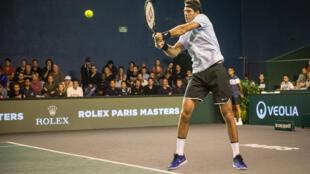El tenista argentino Juan Martín Del Potro en el Masters 1000 París-Bercy frente al portugués Joao Sousa.
