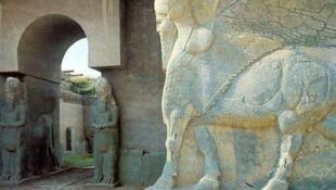 Vestígios arqueológicos da cidade de Nimrud.