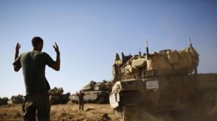 Tanque israelense manobra próximo à fronteira com a Faixa de Gaza