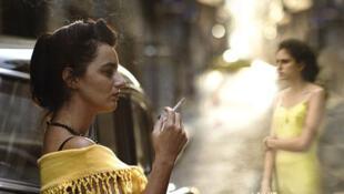 Guida, interprétée par Julia Stockler, est le personnage principal du film de Karim Aïnouz, «La vie invisible d'Euridice Gusmão» qui sort le 11 décembre sur les écrans français.