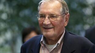 O veterano americano Merrill E. Newman, de 85 anos, que ficou detido mais de um mês na Coreia do Norte e foi libertado neste sábado, 7 de dezembro de 2013.