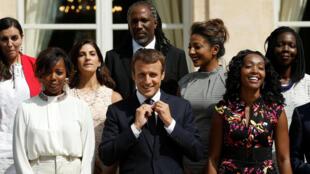 Emmanuel Macron et les membres de son nouveau Conseil présidentiel pour l'Afrique, le 29 août 2017 à l'Élysée.