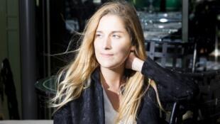 Portrait de la romancière et éditrice Jessica Nelson.