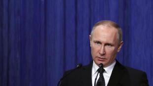 Tổng thống Nga Vladimir Putin phát biểu nhân ngày Quốc Phòng Nga tại điện Kremlin, ngày 27/3/2017.