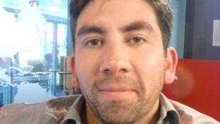 El filosofo y traductor francomexicano Santiago Espinosa en los estudios de RFI en París.