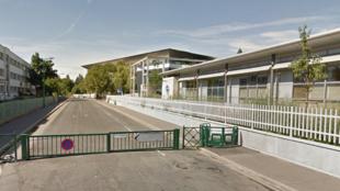 Le lycée Guy de Maupassant, à Colombes.