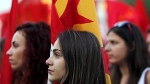 Rassemblement du très influent Parti communiste grec, le 2 juillet à Athènes.