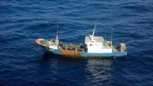 网上流传的日本鹿儿岛海上保安本部拍摄的中国渔船照片