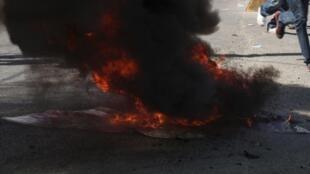 Más de 10.000 manifestantes desfilaron por las calles de Puerto Príncipe, este 18 de noviembre de 2013.