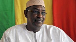 Le nouveau Premier ministre malien Abdoulaye Idrissa Maïga lors de la cérémonie de passation du pouvoir à Bamako, le 10 avril 2017.