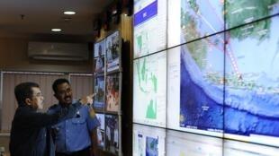O vice-presidente da Indonésia Jusuf Kalla esclarece como serão as operações de buscas em Jakarta, neste domingo