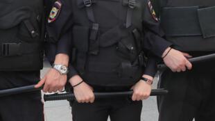 Полицейские во время митинга оппозиции 31 августа