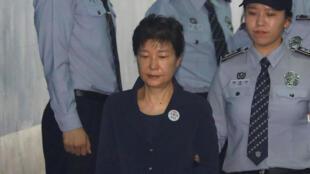 Cựu lãnh đạo Hàn Quốc Park Geun Hye tại tòa án Seoul, ngày 23/05/2017.